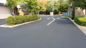 bank-striping-asphalt-sealing